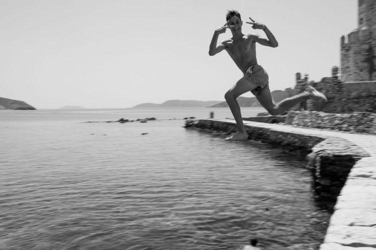 Greece – Navarino (funny jumpin - victorbezrukov | ello