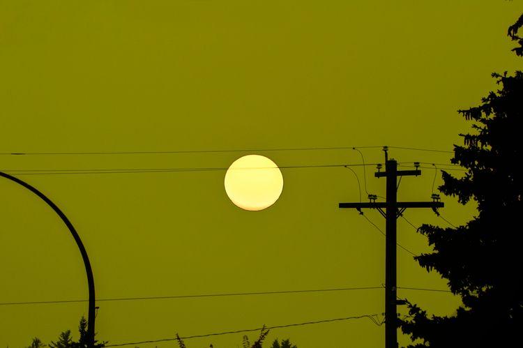 Weird Sun... apocalyptic sunset - jeff_day | ello