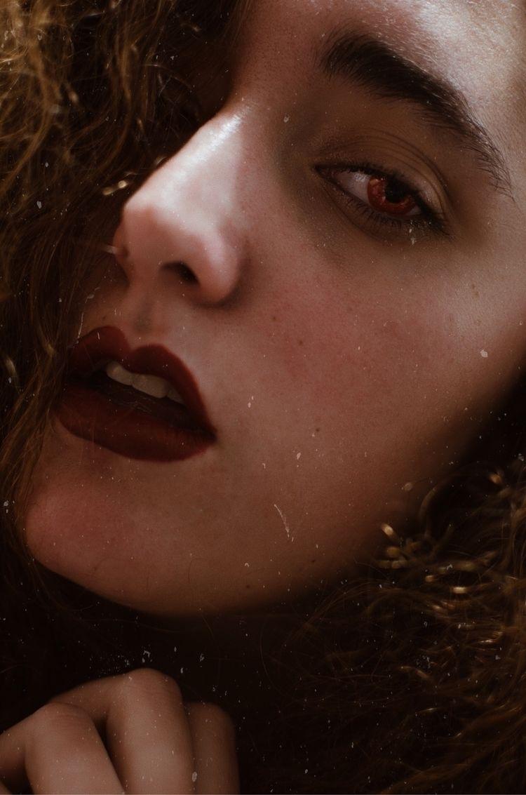 portrait - art, artist, model, selfportrait - alejandra | ello