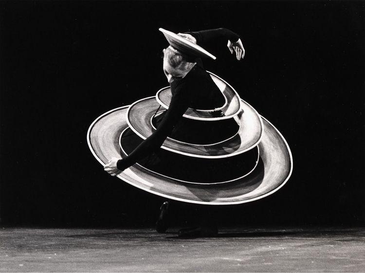Oskar costume Triadic 1922 - Ballet, - bauhaus-movement | ello