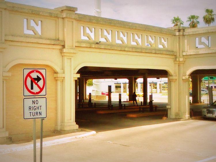 San Eduardo Avenue, Laredo, Tex - dispel | ello