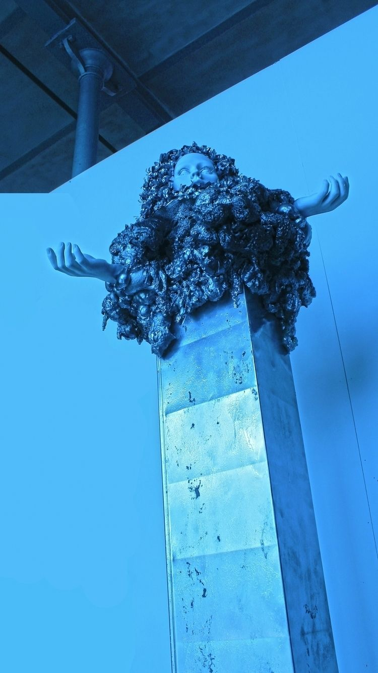 Worshipper Mixed Media Sculptur - eliasthefirst | ello