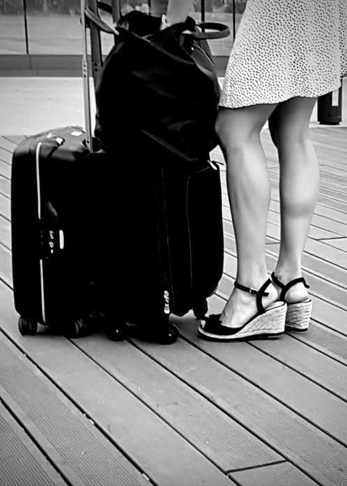 | Flying Barcelona-El Prat - Legs - ziolele | ello