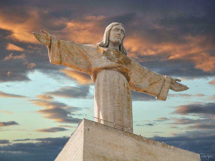 Cristo Rei, Almada, Portugal - religion - pjjanela_xmafax   ello