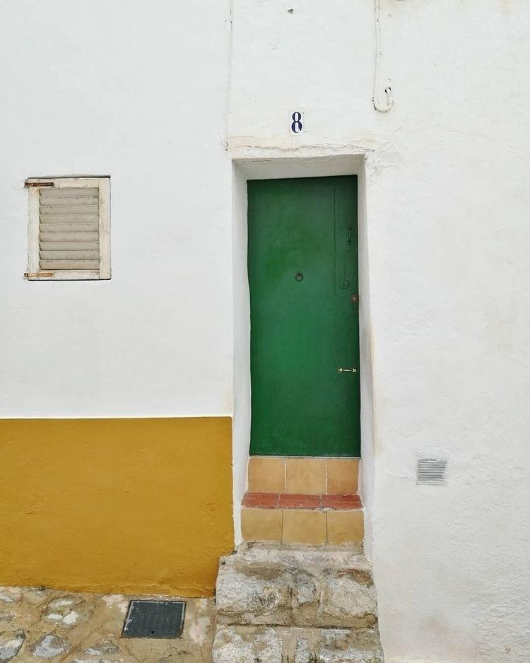 street green door Eivissa town - ilariab | ello