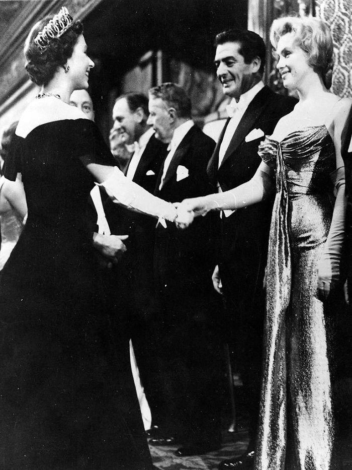 Marilyn Monroe Queen Elizabeth  - decorkiki   ello