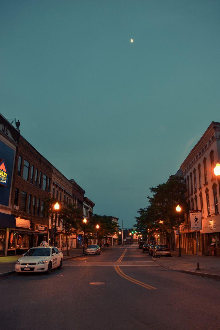 Moon Plattsburgh, 2012 - plattsburgh - mlledarcel   ello