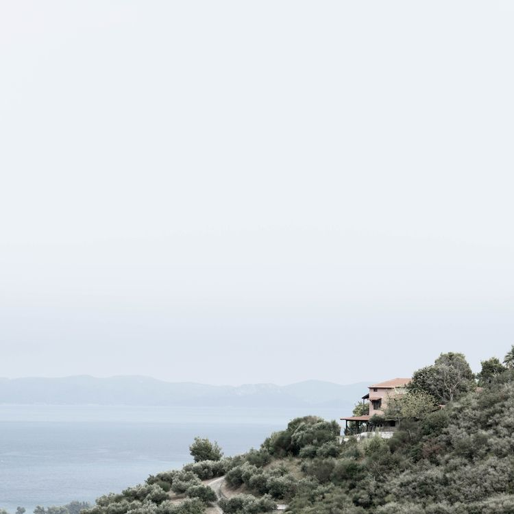house hill Greece, Nea Skioni - sea - erik_schepers | ello