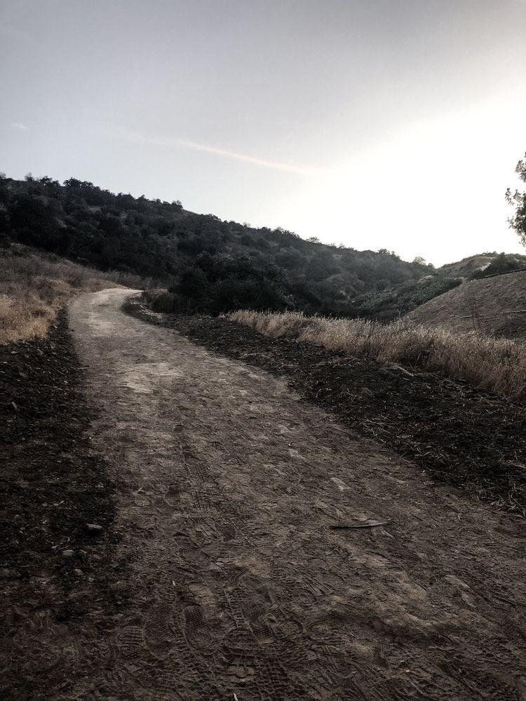 road - desolate, hikingtrail, socal - melissa-me   ello