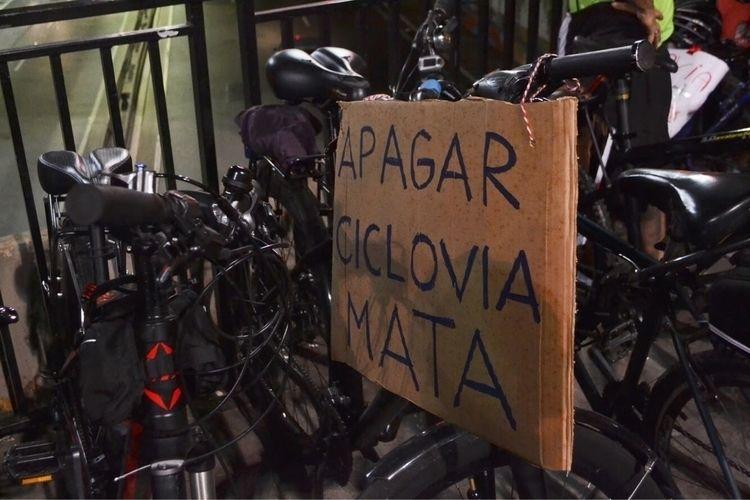CICLOATIVISTAS, REMOÇÃODASCICLOVIAS - thiagodias_ | ello