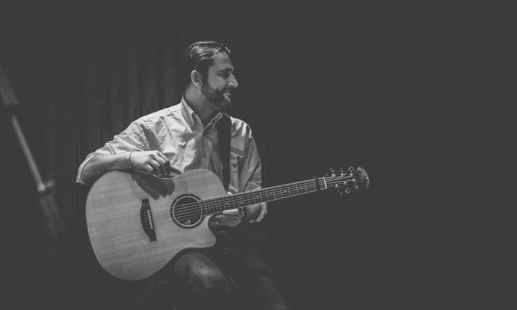 show musician takes short break - panioan | ello