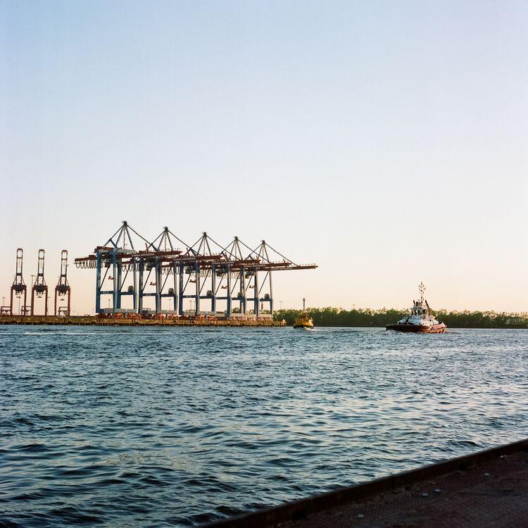 Hamburg Harbor Hasselblad 501CM - pbeckerphoto | ello