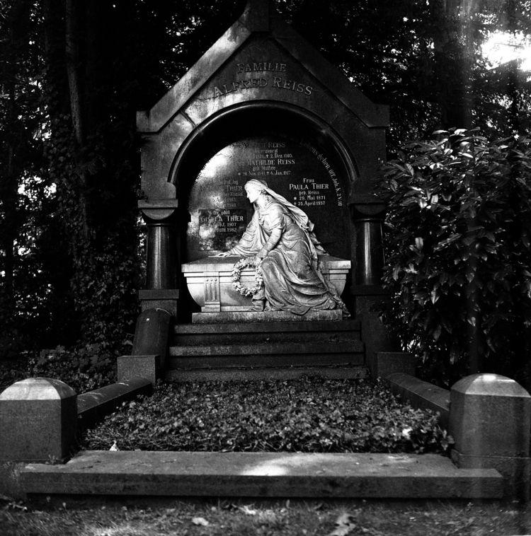 Westfriedhof 1 IV Camera: Yashi - walter_ac   ello