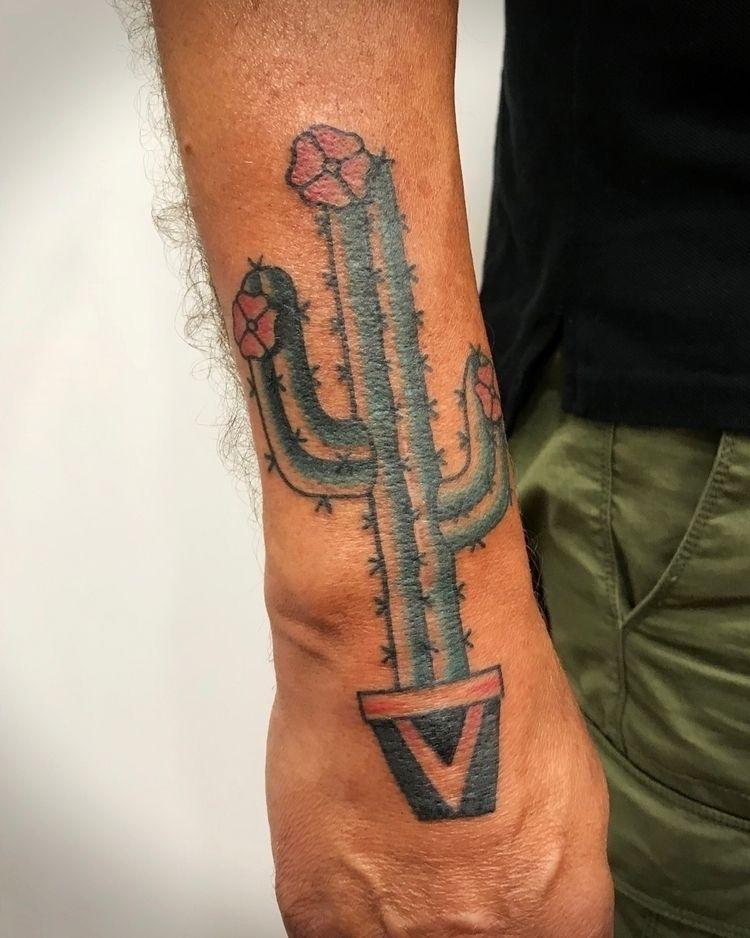 Cactus 2018:06 - tattoo, illustration - nico_tattoolandes   ello