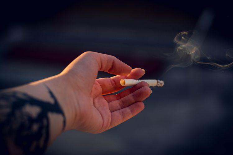 smoke, sunset, tattoo, hand, closeup - iriser | ello