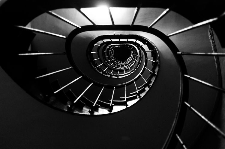 moment - vertigo, home, blackandwhite - flommeunier | ello