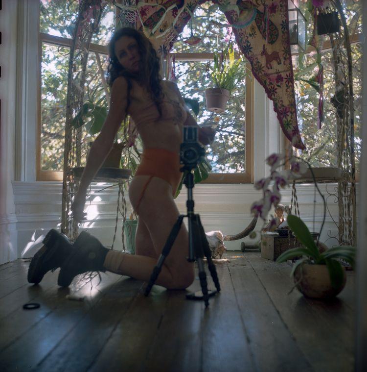 selfportrait, hasselblad500cm - teetonka | ello