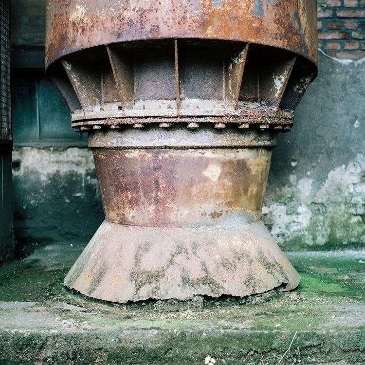 Shot Yashica 124 Mat_G Kodak Po - fotostudio-eindhoven | ello