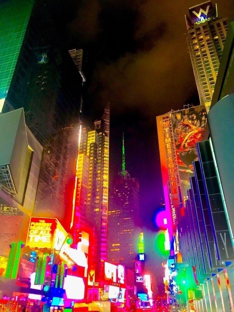 Times Square ~ 2018 _ York City - wellcaldmax | ello
