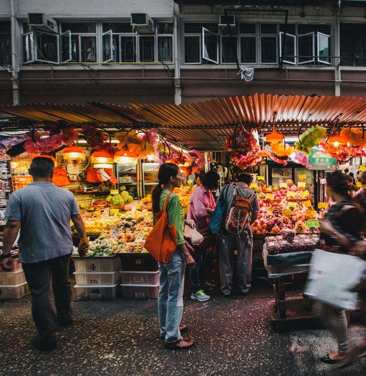 Mongkok, Eclectic fruitstand  - hongkong - wearephotonico | ello
