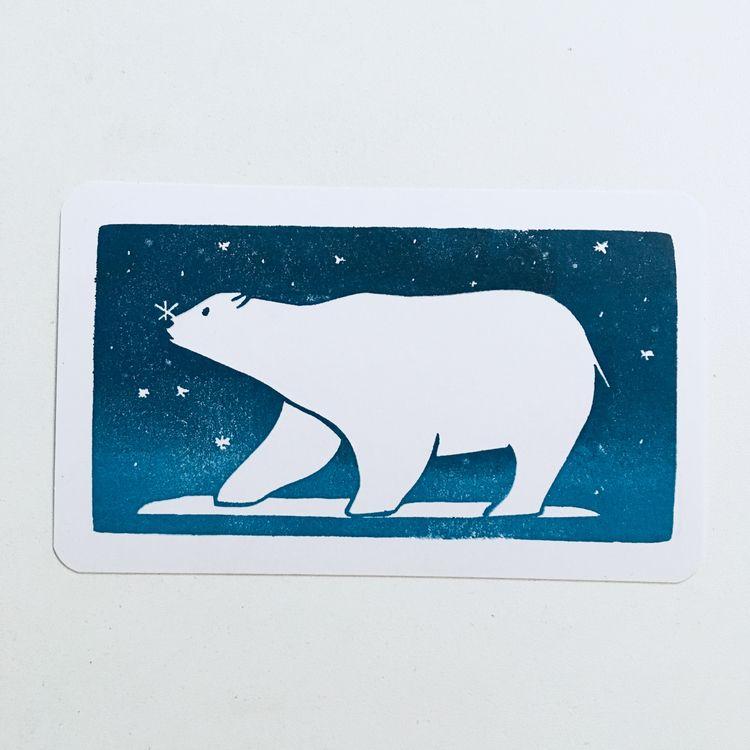 Polar bear eating snow flakes - studiomalu   ello