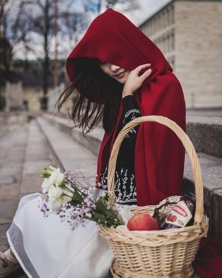 Red riding hood - Album story,  - hieuunguyeen | ello