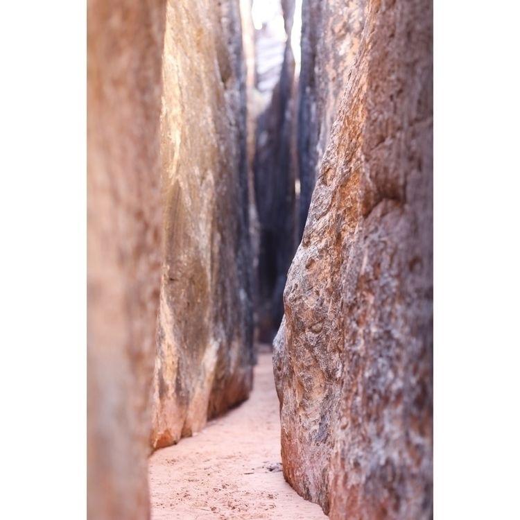 Slot Canyon - canyonlandsnationalpark - entropyalwayswins | ello