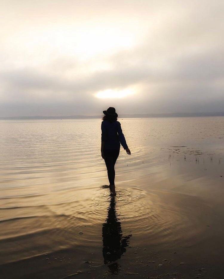 light - enjoy#goldenhour#sunset#portrait#shadow - olivloliv | ello