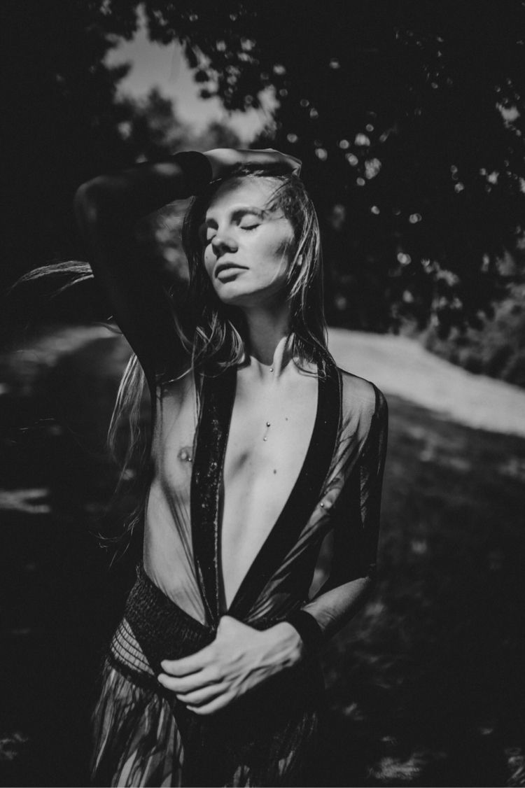Alena // summers - daringbunny_photography | ello