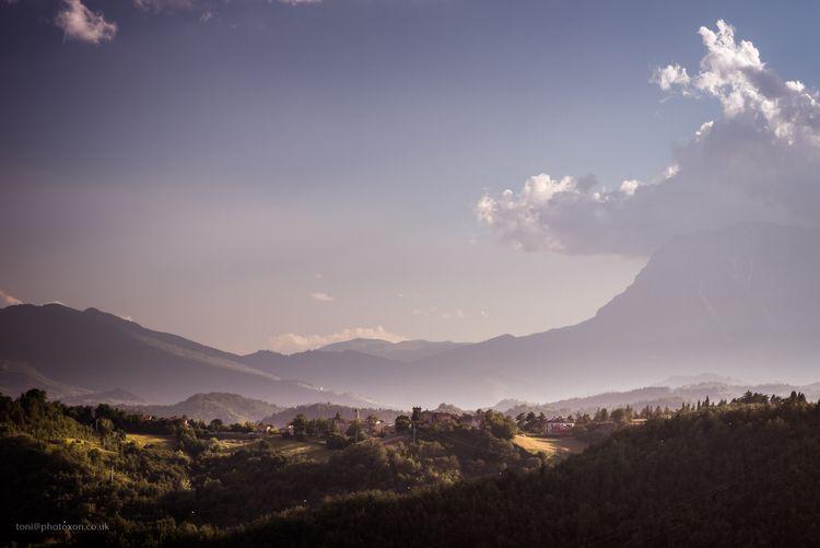Morning Lisciano, Marche, Italy - toni_ertl | ello