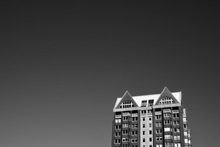 buildings sunny day - minimalisme - rwhfink | ello