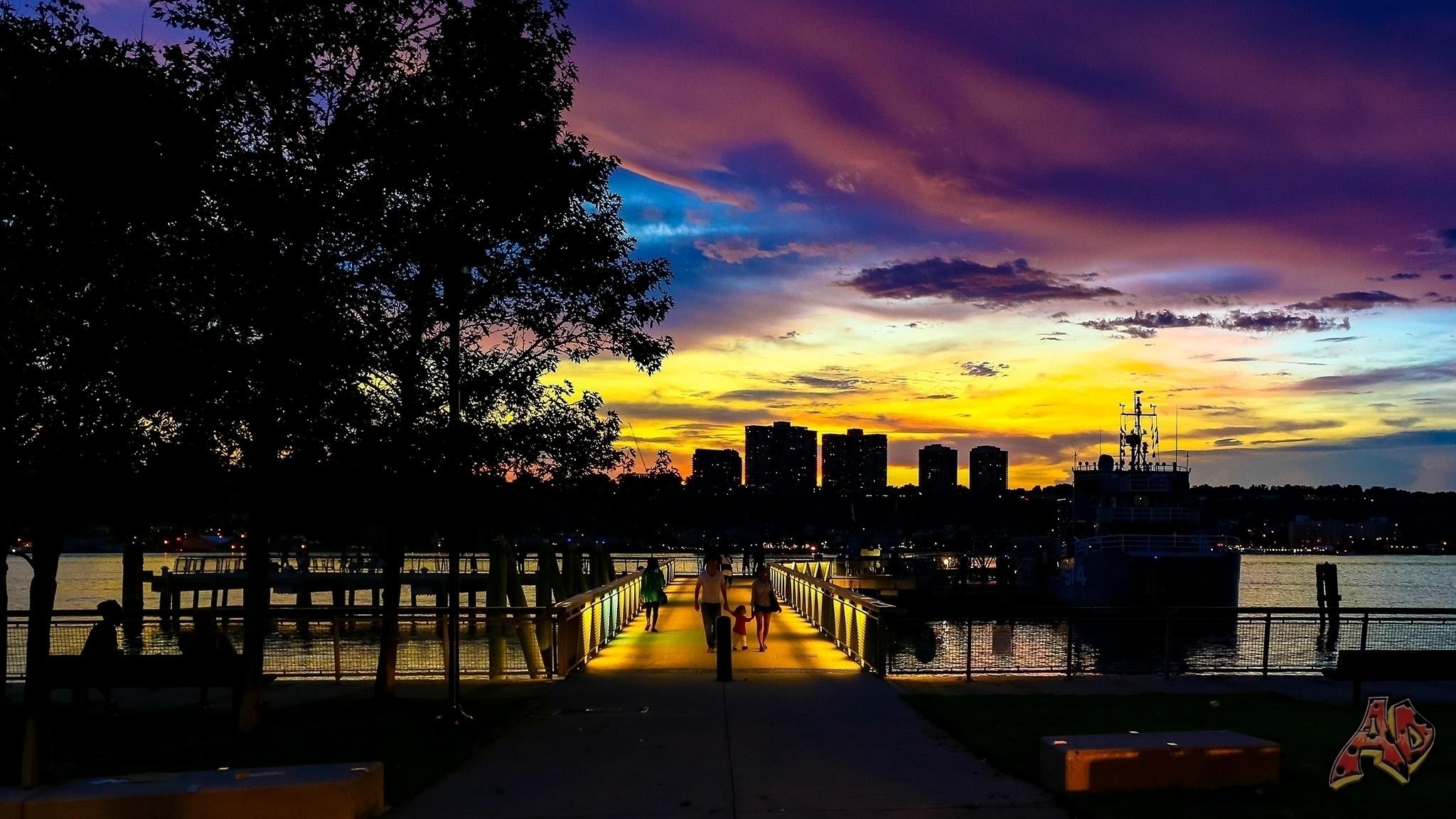 Sundown West Harlem Piers Park - adwow | ello