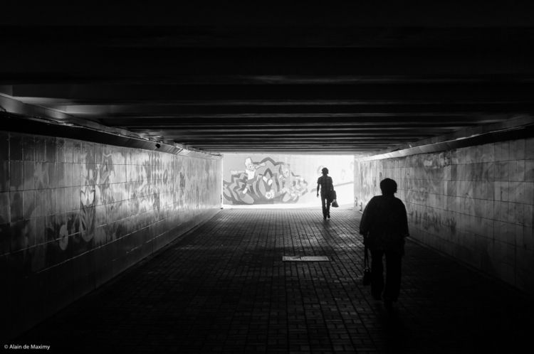 people dark underpass football  - maximy | ello