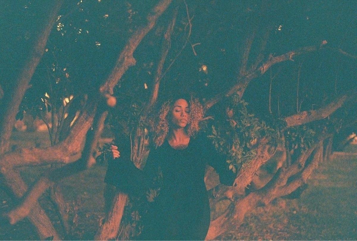 Maribel, shot lomography red sc - wisteriasuspiria | ello