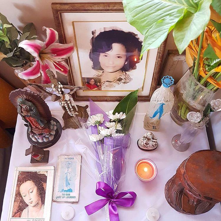 Offering prayers flowers eterna - vicsimon   ello