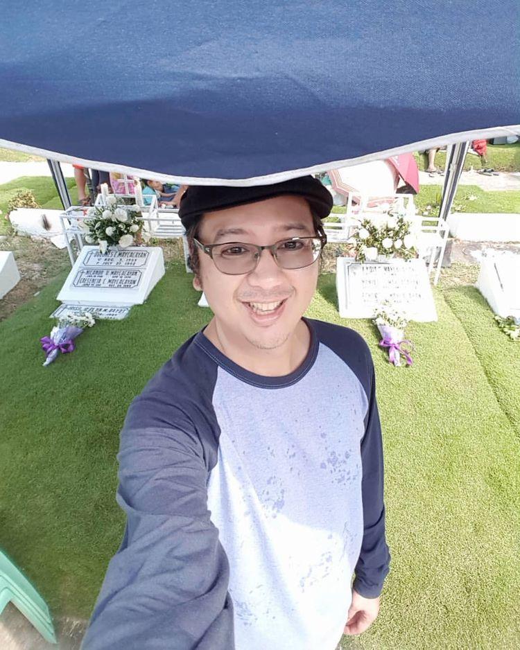 Vigil graves beloved mother Lyd - vicsimon   ello