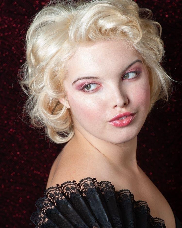 Amber - marilynmonroe - digitalartform | ello