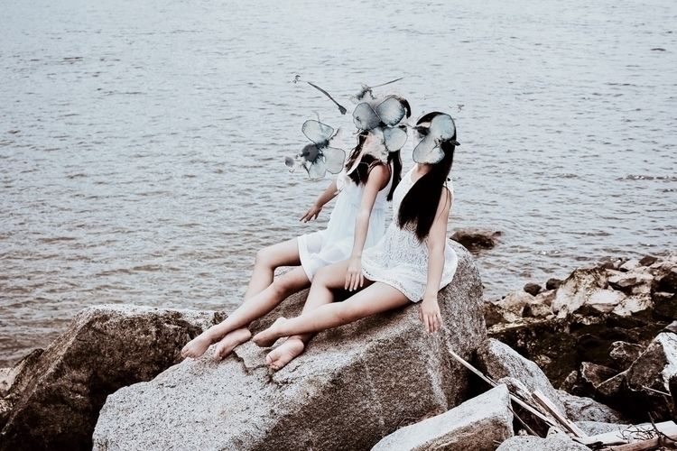 Seaside Bliss. • Models: Sophia - ashley_vw | ello