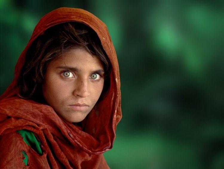 1984 Steve McCurry photographed - jonathantrapman | ello