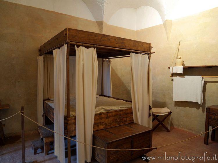 ( ): Room captain fof Soncino.  - milanofotografo | ello