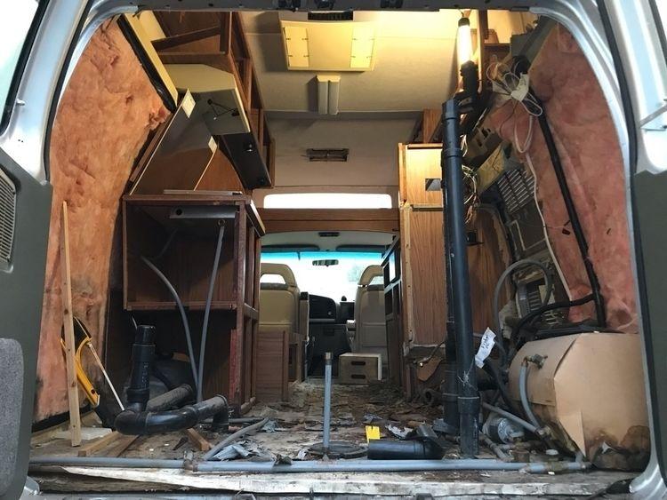 """Renovation LA """"Run Gun"""" photogr - agrip   ello"""