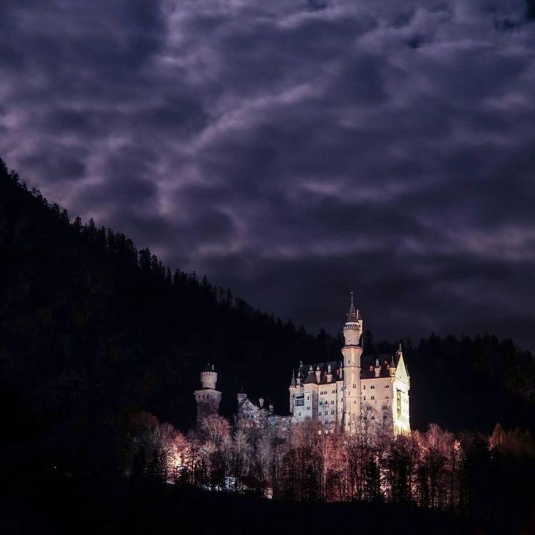 Neuschwanstein Castle! :europea - jhollaholla | ello