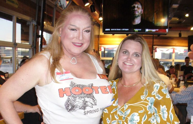 2018 OCT 04 _ HOOTERS Reunion J - dee_gregory_1961 | ello