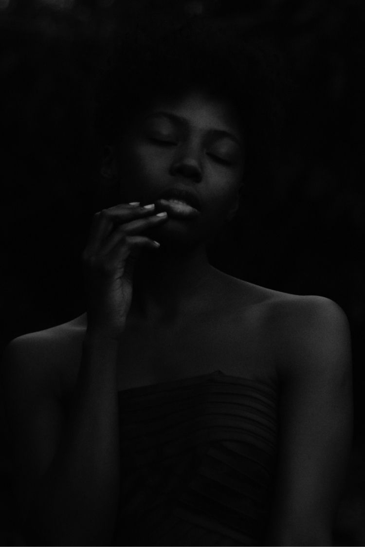 selfportrait, bnw, portrait, feeling - amethyst_whisperer | ello
