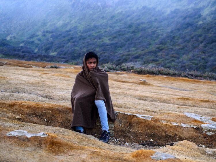 2 hike volcano... Mount Ijen, I - jorishermans | ello