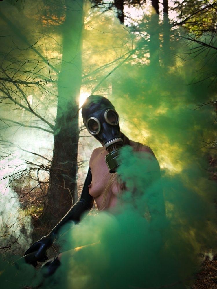 Smoke, mirrors.  - gasmask, gasmaskfettish - baxtermarrison | ello