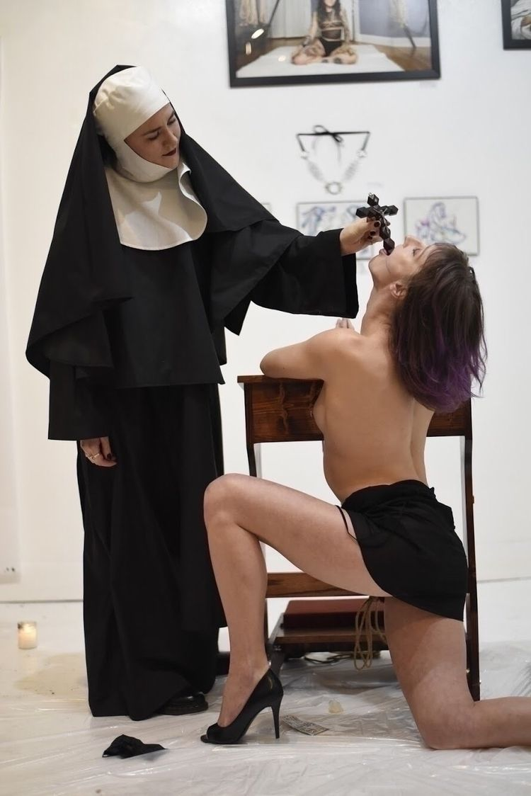 Abstinence Education - Photo Fr - daemonumx | ello