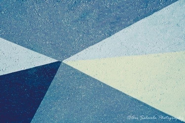 Beams Light Geometric shapes pa - arisalmelaphoto | ello
