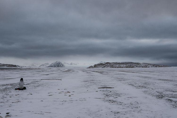 Svalbard = space elevated beach - aramatzne | ello