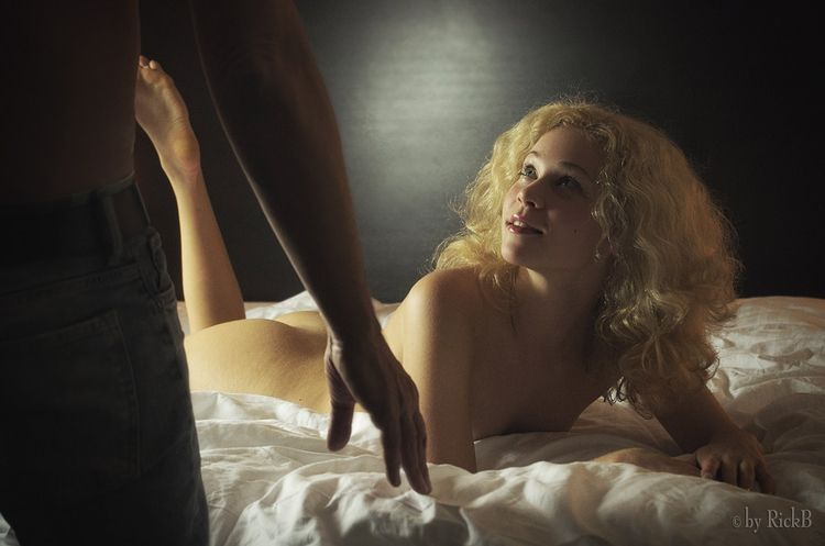Jeune Jolie Inspired movie Fr.  - rickb500   ello